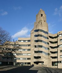 203px-Rathaus-bensberg-hof